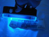 Портативный ультрафиолетовый детектор купюр