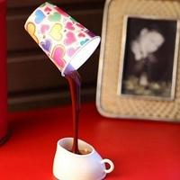 Лампа Выливающееся кофе